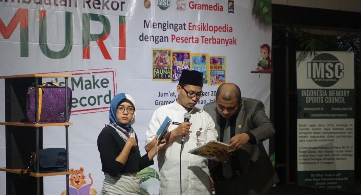 Perwakilan Disdik DKI Jakarta melakukan tes lisan